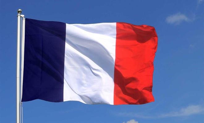 Fransa Türkiye'ye silah ihracatını askıya aldığını duyurdu