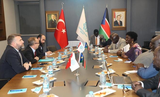 Güney Sudan Dışişleri Bakan Acuil'nden Türkiye Maarif Vakfına ziyaret