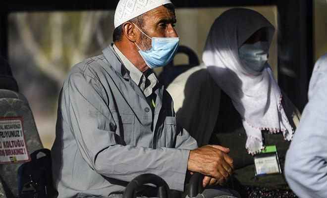 Umreden dönen 168 kişilik kafile, Konya'da karantinaya alınacakları yurda yerleştirildi