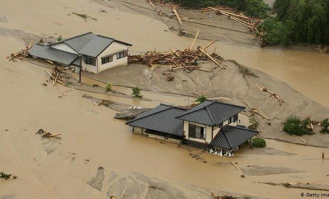 Japonya'yı sel vurdu! Ölü sayısı 56