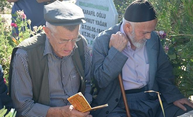 PKK tarafından katledilen vatandaşlar mezarları başında anıldı