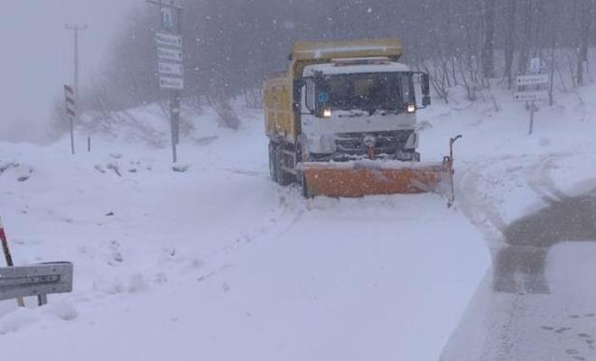 İstanbul'un yanı başında kar kalınlığı 50 santimetreyi buldu