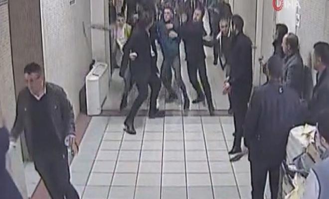 Bakırköy Adliyesi'nde sanık avukatını 3 kişi darbetti