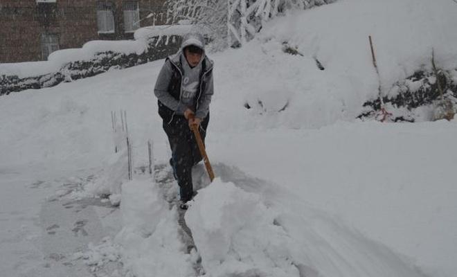 Bitlis`te 235 köy yolu ulaşıma kapandı