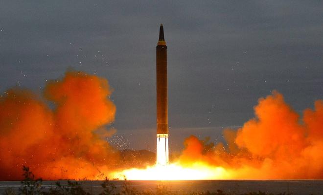 Kuzey Kore Tokyo zirvesine füze denemesi ile cevap verdi