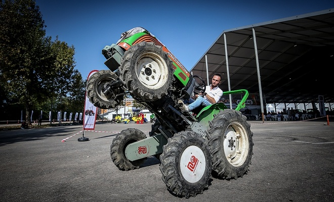 """""""Makrobat"""" ile traktörler devrilmiyor"""