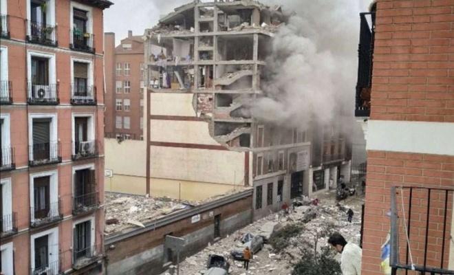 Huge explosion destroys building in Madrid