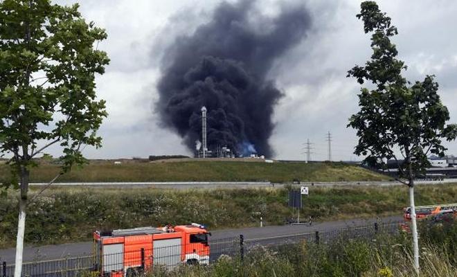 Almanya'da kimya tesisinde patlama: Yüksek tehlike uyarısı