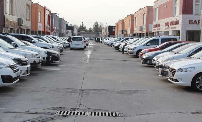 İkinci el araç piyasasının hareketlenmesini bekliyorlar