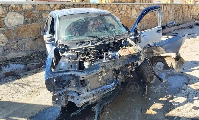 Sivas'ta iki araç çarpıştı