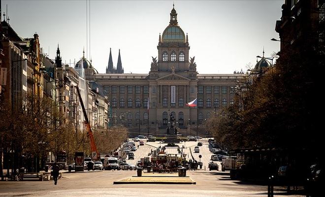 Çekya'da Kovid-19'la mücadele kapsamında yeniden karantina ilan edildi