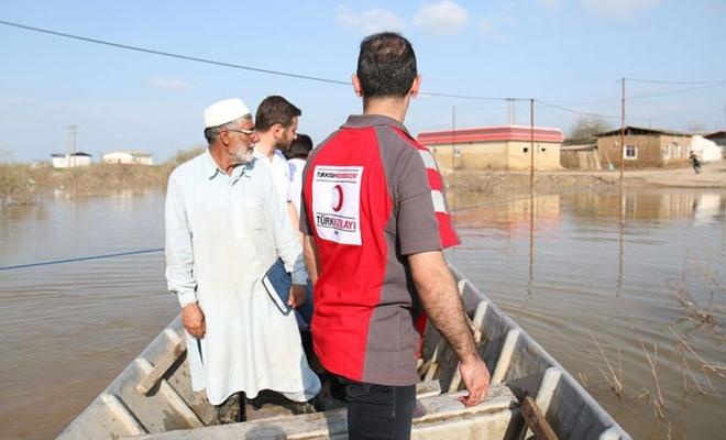 Türkiye'den İranlı selzedelere yeni yardımlar