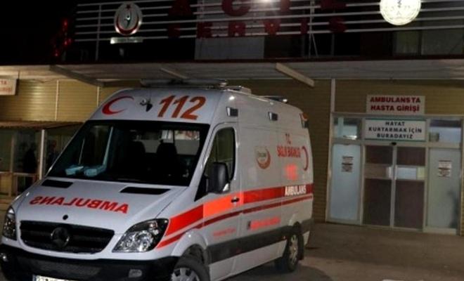 Gaziantep'te 2 otomobil kafa kafaya çarpıştı: 4'ü çocuk 11 yaralı