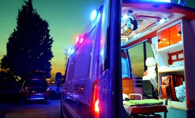 2 yaşındaki bir çocuk annesini bacağından, babasını ise kafasından vurdu