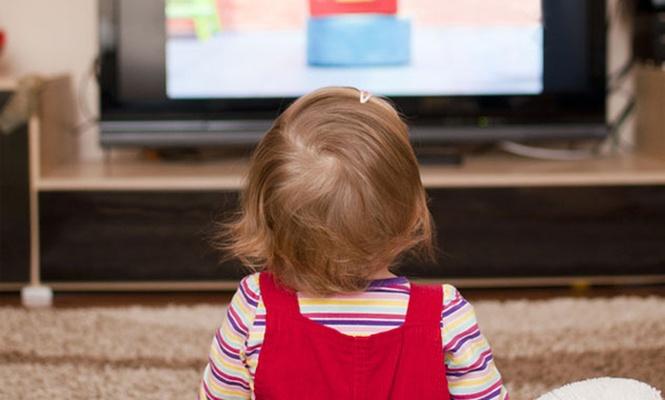 TV çocuklarda Obeziteye neden oluyor