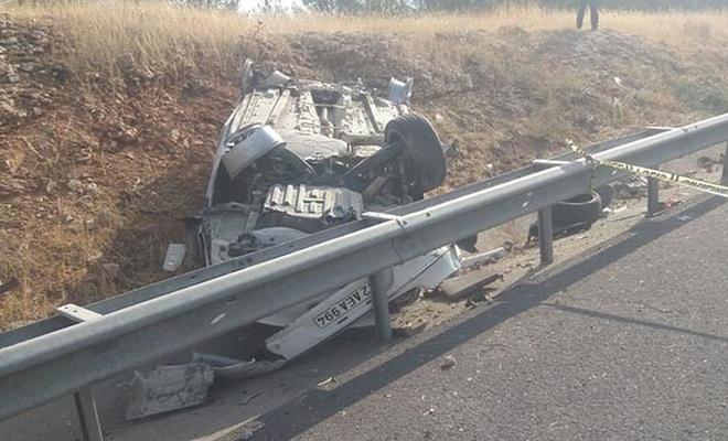 Şanlıurfa'da otomobil devrildi: 1 ölü, 2 yaralı