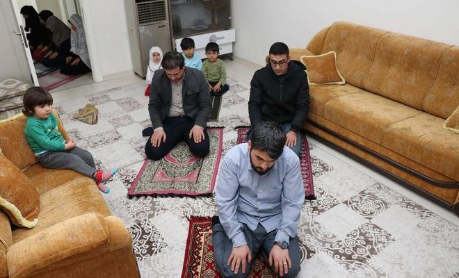 Ankaralılar teravih namazlarını evlerinde kıldı