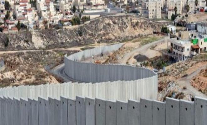 Siyonist teröristler Batı Şeria'daki gösterilerde 64 Filistinliyi yaraladı