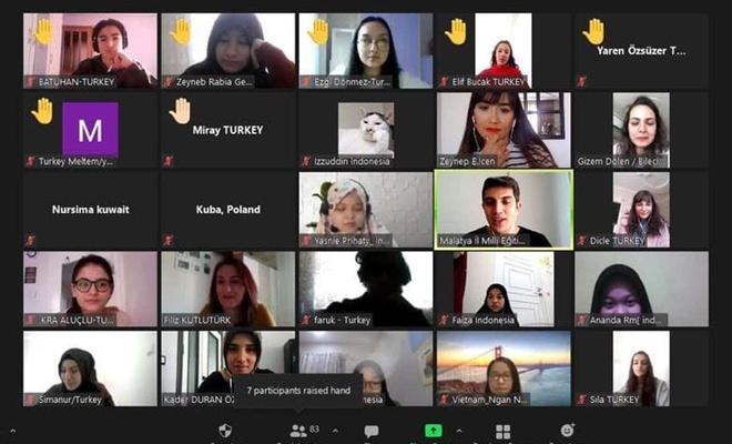 Malatya'da öğrenciler 'Speaking Club' adlı projeyle dünyaya açılıyor