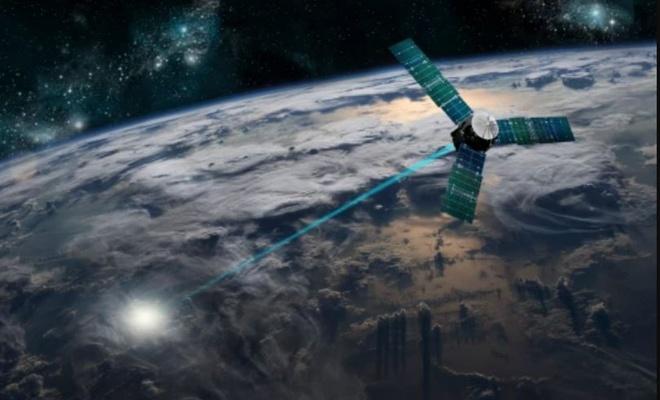 Dünyanın her yerine uydudan elektrik gönderebilen güneş paneli test edildi