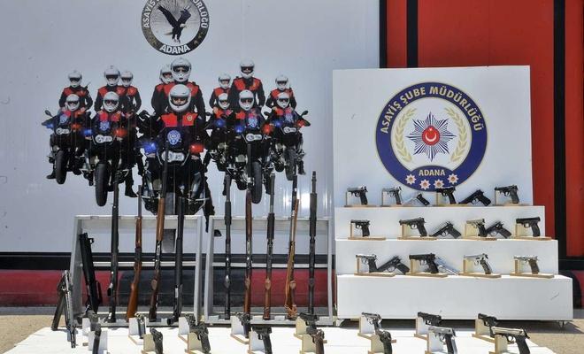 Adana'da yapılan uygulamada çeşitli suçlardan aranan 326 kişi yakalandı