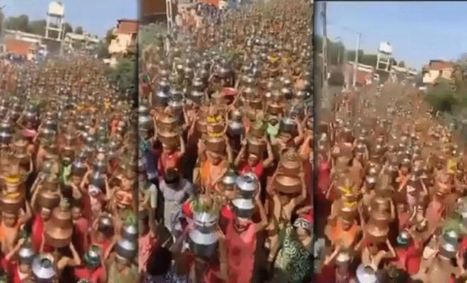 Korona bitsin! diyorlar Hindistan'da kadınların yaptığı törenle biter mi?
