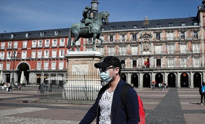 İspanya'da son 24 saatte 44 bin 357 yeni Kovid-19 vakası tespit edildi