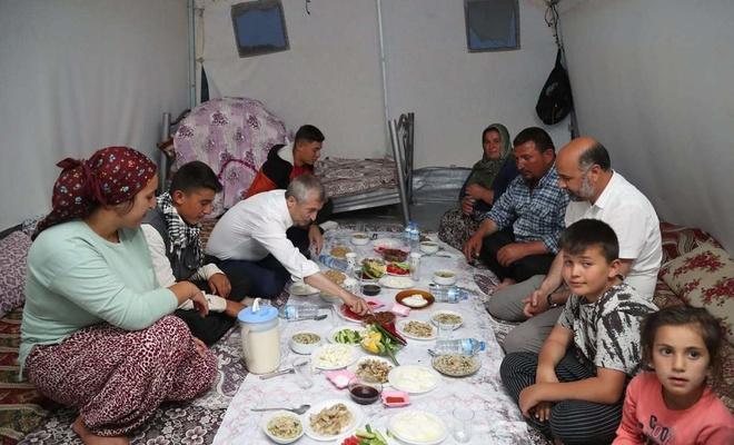 Şahinbey Belediye Başkanı Tahmazoğlu iftarını merada açtı