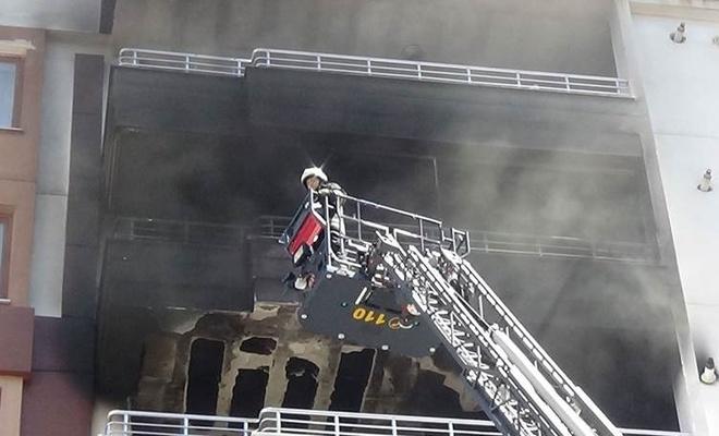 Diyarbakır'da yangın: 30 kişi dumandan etkilendi