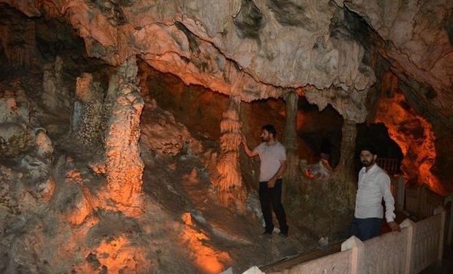 İnsuyu Mağarası ziyaretçilerini ağırlamaya devam ediyor
