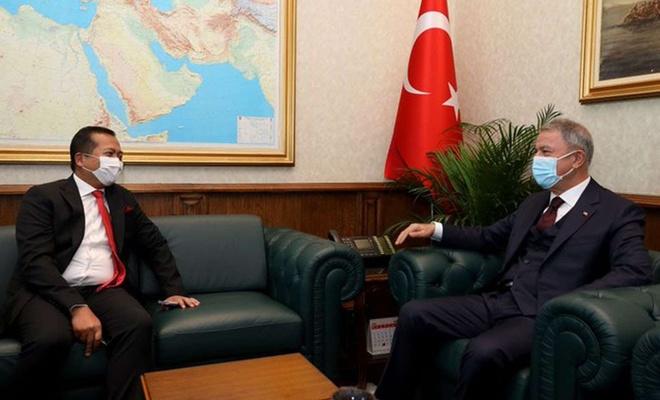 Bakan Akar, Endonezya Ankara Büyükelçisi Iqbal'ı ile görüştü