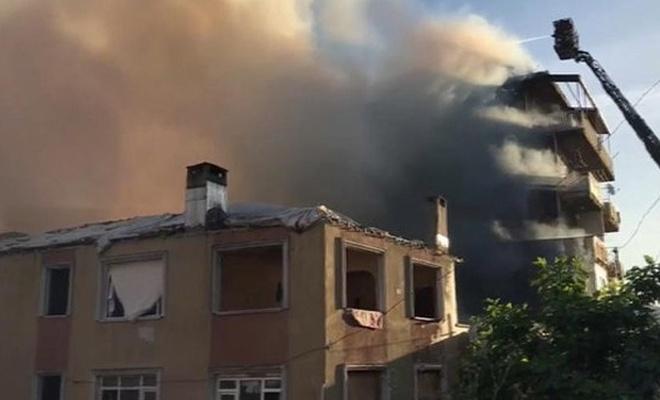 Kadıköy'de yangın: 1 ölü, 4 yaralı