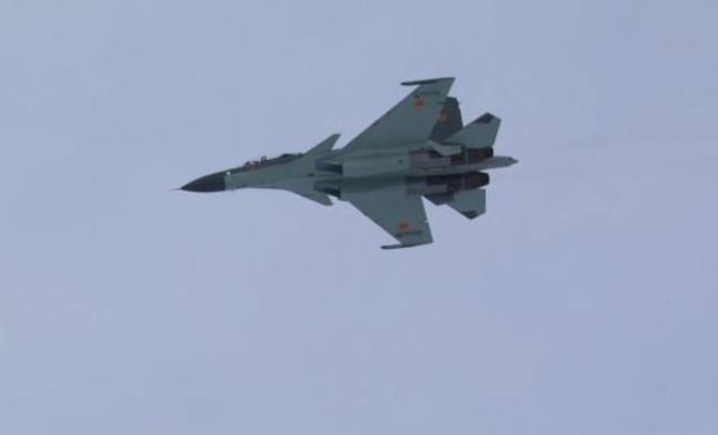 Rus uçağı, Fransa uçaklarına önleme yaptı
