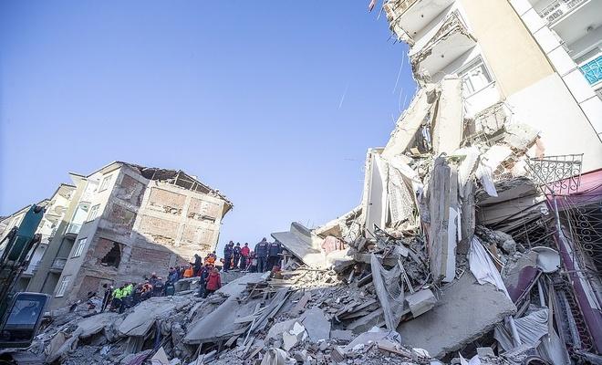 """AFAD'tan """"acil yıkılacak 50 bina"""" açıklaması"""