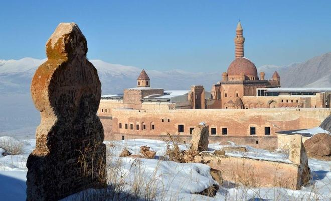 Ishaq Pasha Palace attracts visitors every season