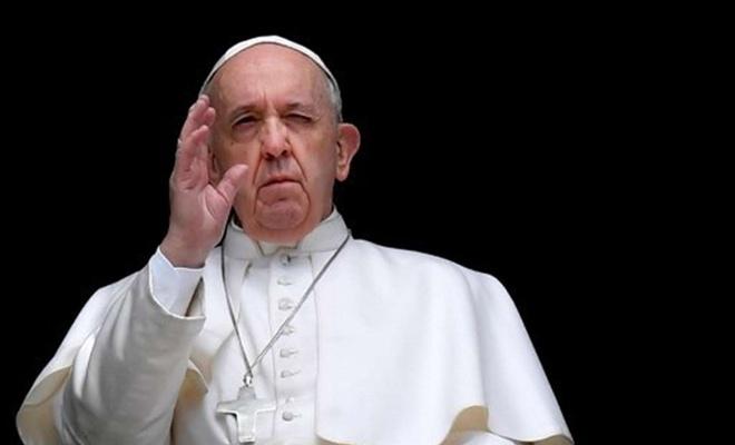 Francis'e tepkiler devam ediyor