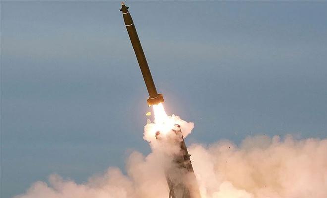 """Kuzey Kore füze denemelerine doymuyor: Bu seferki """"süper büyük!"""""""