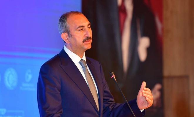 """Adalet Bakanı Gül'den """"yeni anayasa"""" açıklaması"""