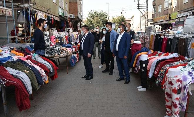 Bağlar Belediye Başkanı Beyoğlu, Sakarya Caddesi'nde incelemelerde bulundu