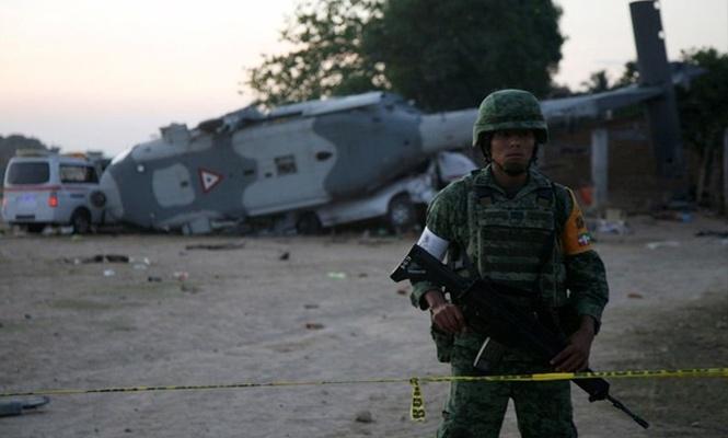 Helikopter kazasında 13 kişi öldü