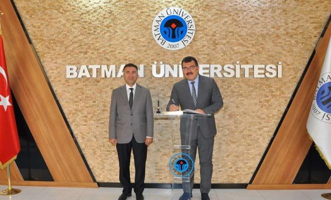 TÜBİTAK Başkanı Mandal Batman Üniversitesi Rektörü Demir'i ziyaret etti