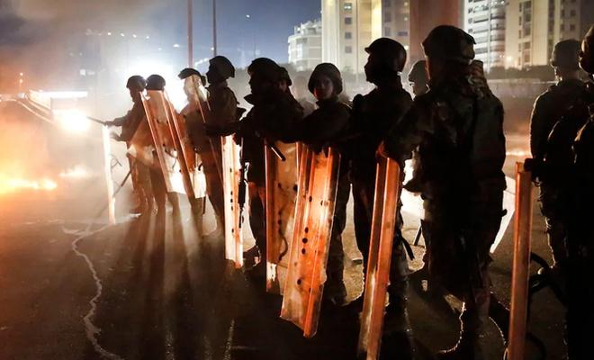Lübnan'da yeni hükümet öfkeyle karşılandı