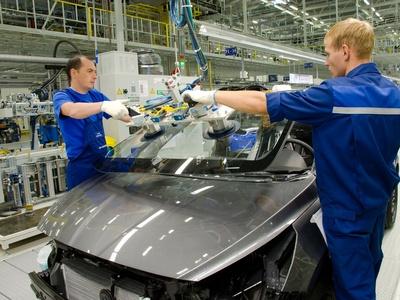 Rusya'da binek otomobil üretimi azaldı