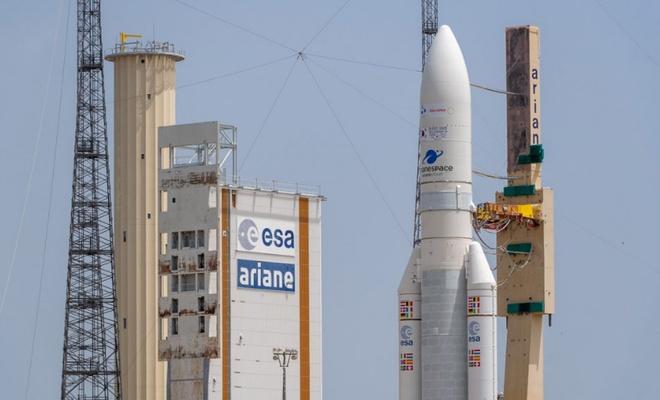 Japon ve Güney Kore uyduları uzaya fırlatıldı