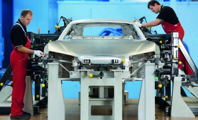 Alman otomotiv sektörü on binlerce işçi çıkaracak!