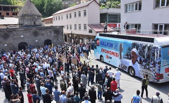 """CHP ahıra çevirdiği Ulu Camii'nin önünde: """"Bu cami çok şeye şahitlik etti!"""""""