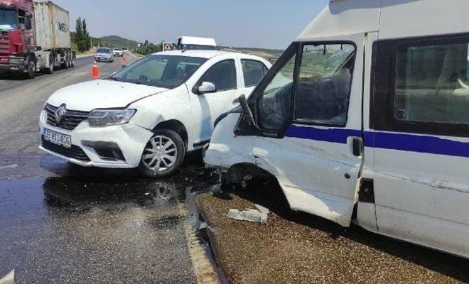 Manisa'da zincirleme kaza: 15 yaralı