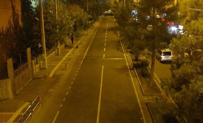 Sokağa çıkma yasağının başlamasıyla birlikte Diyarbakır'da sokaklar boşaldı