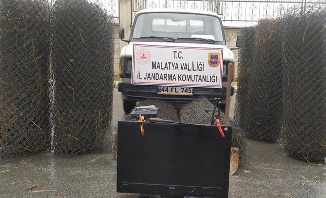 Hırsızlar çaldıkları malzemeler ile birlikte yakalandı