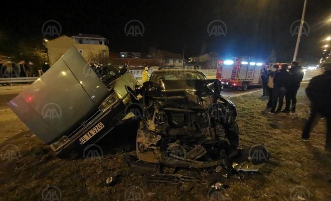 Afyonkarahisar'daki zincirleme trafik kazasında 5 kişi yaralandı